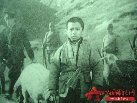 故事的主人公海娃的原型就是曾经闻名全军的---侦察捕俘英雄秦玉根.